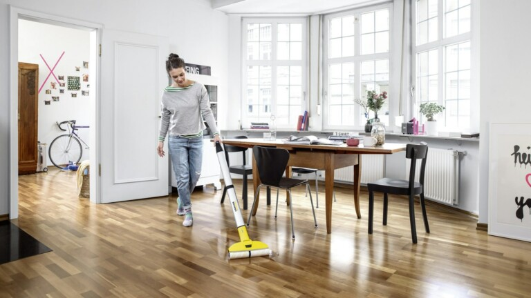 Kärcher EWM 2 electric mop cleans right up to skirting boards and around furniture