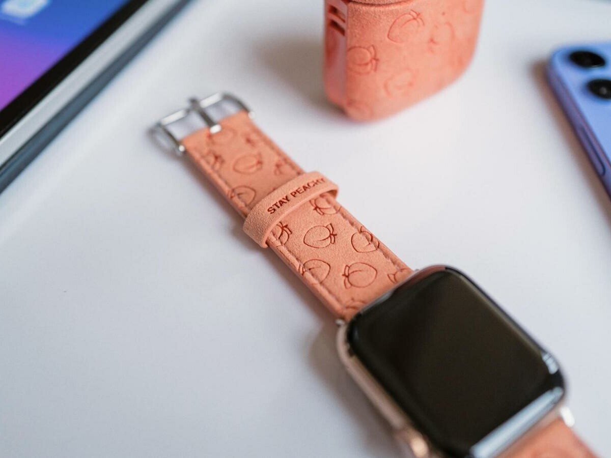 Moment Peachy Strap for Apple Watch Series 7 adds some charisma & flair to your smartwatch
