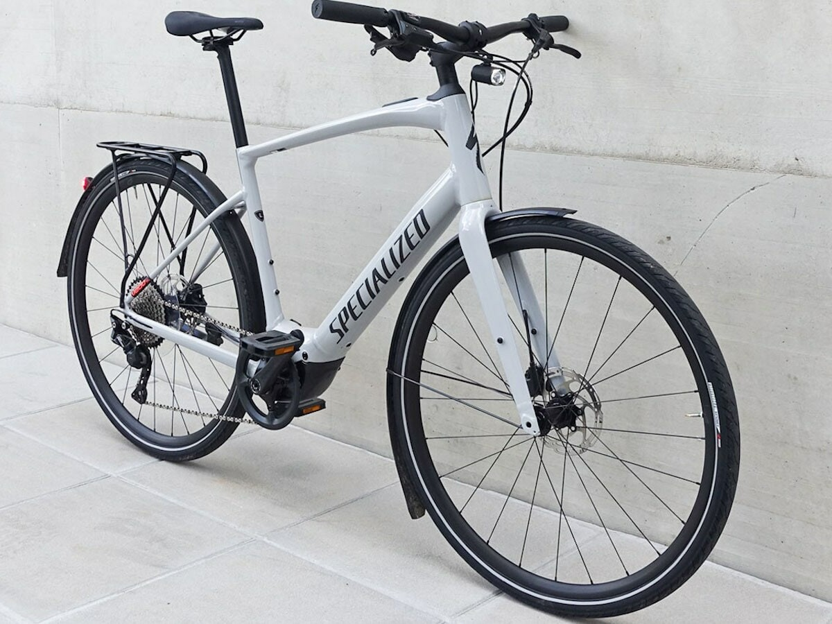 Specialized Turbo Vado SL 4.0 EQ daily eBike has a 320 Wh battery with a 120-mile range