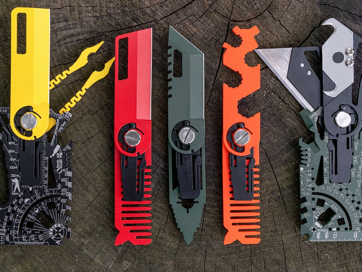 Universal 4.0 titanium compact multitool includes more than 80 tools in one gadget
