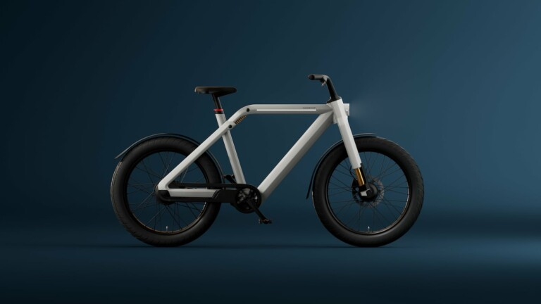 VanMoof V high-speed city eBike reaches speeds of up to 31 mph and travels smoothly