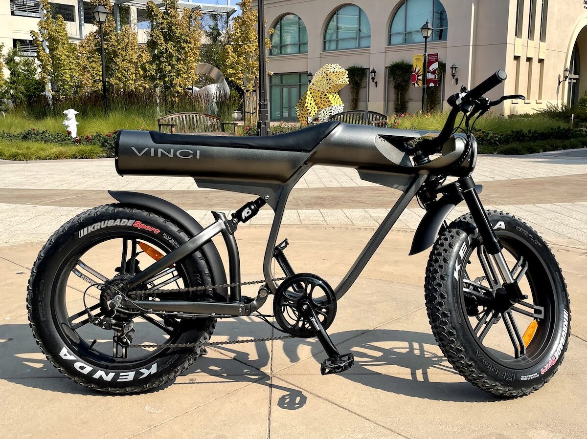 Vinci stylish electric motorbike is crafted by an artist and engineer for comfort
