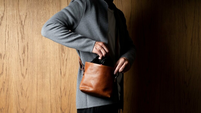 hardgraft Take Camera Bag protects your photography equipment with interior soft padding